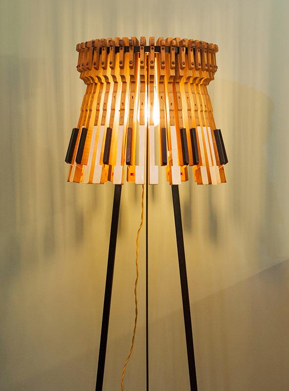 Lámpara de pié serie Piano