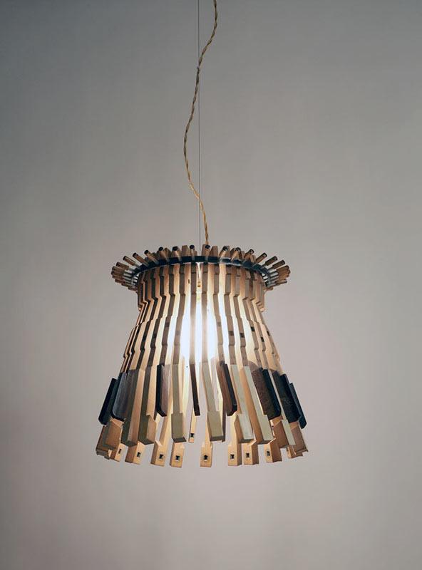 Lámpara mediana de la serie Piano