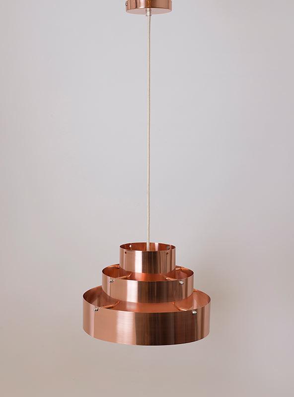 Lámpara en cobre acabado brillante